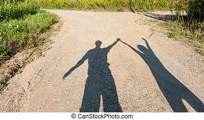 Theater der Schatten, Junge und Mädchen auf dem Landweg.
