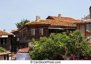 Tiles auf dem alten Schlossdach.