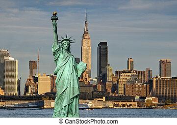 Tourismuskonzept New York City mit Statuenfreiheit