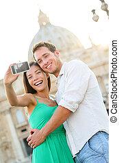 Touristen verbinden sich mit der Vatikanstadt Rom