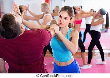 trainer, weibliche , notwehr, training, gym., paar, sportliche , bewegt