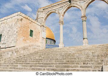 Treppe zur Moschee