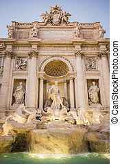 Trevi Fountain am Ende des Tages in Rom.
