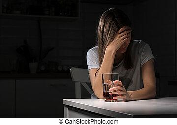 trinker, genervt, leiden, alkoholiker, gefühl, traurige , haben, sucht, alleine, schlechte, daheim, trinken, deprimiert, concept., süchtig, frustriert, alkoholismus, weibliche , einsam, frau, alkohol, junger, whiskey, problem