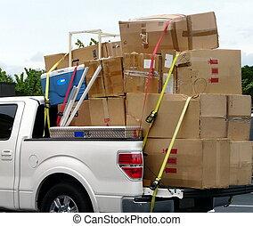 Truck mit Umzugskartons