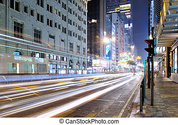 Tsim Sha Tsui Einkaufsstraße in der Nacht.