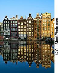 Typische Amsterdam-Architektur