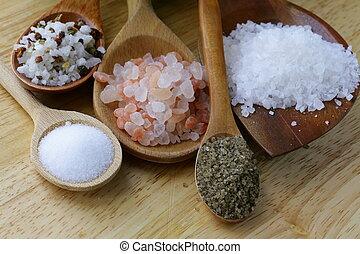 Verschiedene Salzsorten.