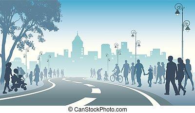 Viele wandelnde Menschen.