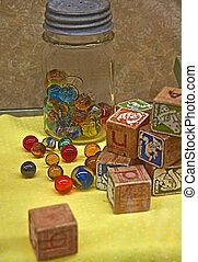 Vintage Marmor und Blockspielzeug