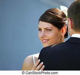 Weiße Braut und Bräutigam