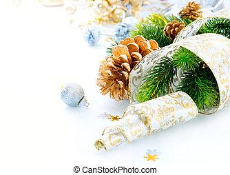 Weihnachtsdekoration im weißen Hintergrund isoliert