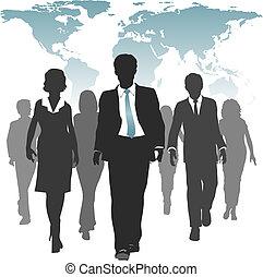 Weltarbeit zwingt Geschäftsleute zu Humanressourcen