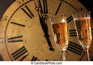 Wir feiern neue Jahre mit Champagner