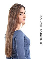 Wunderschöne Frau mit langen Haaren