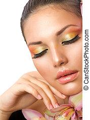 Wunderschönes Frauengesicht. Perfektes Make-up