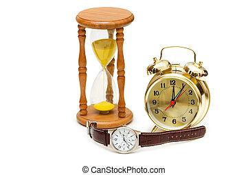 Zeitkonzept mit Uhr, Uhr und Stunde Glas