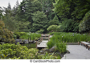 Zig zag Bridge im japanischen Garten